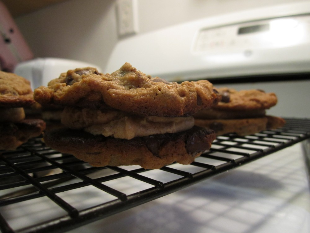 flourless peanut butter sandwich cookie